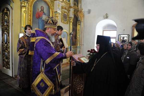 В Петро-Павловском монастыре Брянска возвели в сан игуменью Елену