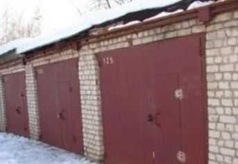 Брянские следователи  выясняют, как погибла женщина в гараже