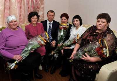 Матери брянских героев, не пропустивших врага, встретились с Дениным