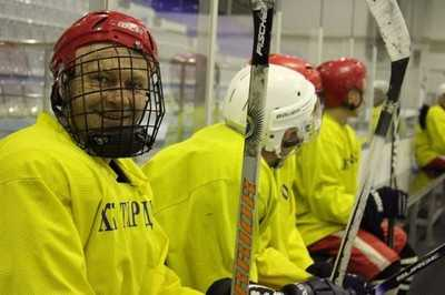 В хоккей играли настоящие брянские чиновники