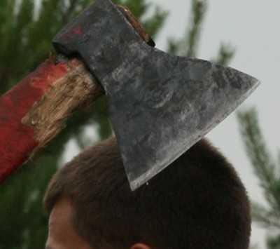 Житель Сещи, чуть не зарубивший топором мать, осужден на семь лет