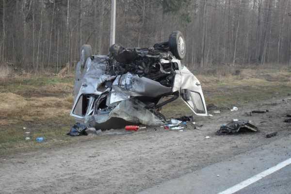 Два человека погибли и восемь ранены в ДТП под Брянском