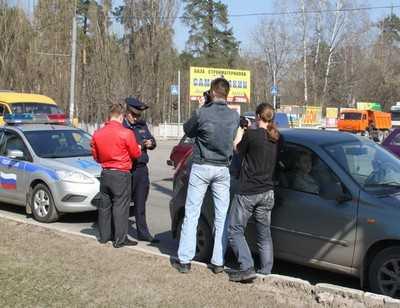 Пятерых брянских водителей, не пропустивших машину пожарных, накажут
