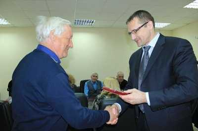 Ветеранов «Брянских КС» наградили медалями