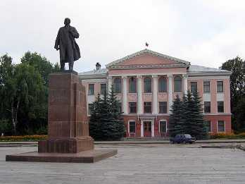 Дятьковский депутат предстанет перед брянским судом за махинации и побои