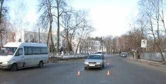 Водитель Ауди сбил в Брянске пенсионерку