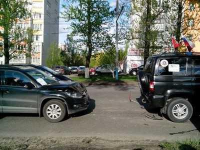 В Брянске водитель «Тигуана» спровоцировал аварию-«домино»