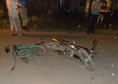 Брянский велосипедист пытался обогнать «Ниссан» и учинил ДТП