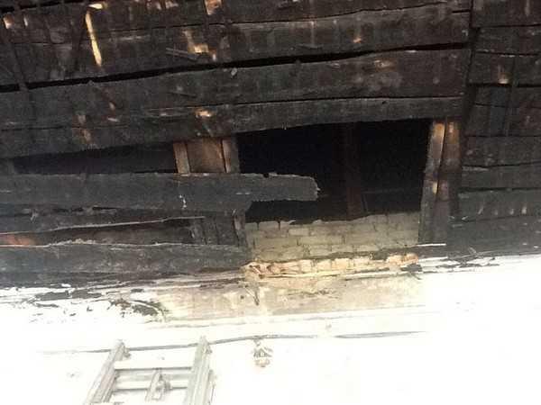 В Стародубе удалось спасти загоревшуюся столетнюю школу