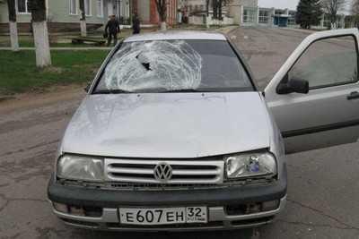 В Клетне пьяный водитель сбил девушку на тротуаре