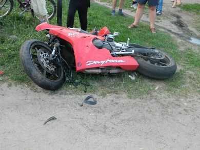В ДТП на брянской трассе  мотоцикл столкнулся с «пятёркой» — пострадали четверо