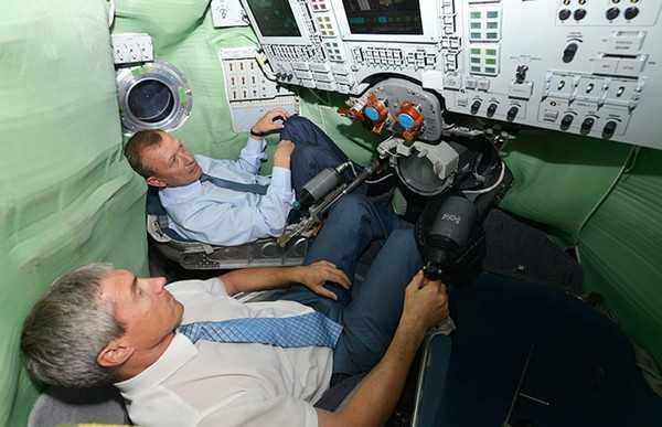 Авиационно-космическую школу-интернат послали в Дубровку