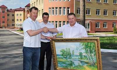 В солнечную погоду «сырым утром» брянский губернатор побывал у соседей