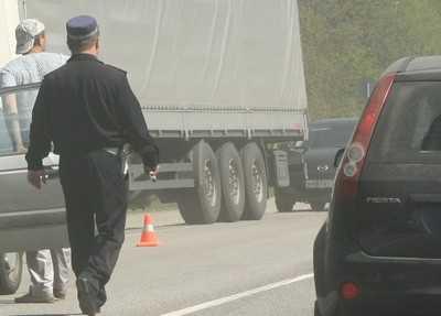 Пьяный брянский водитель при обгоне справа врезался в иномарку