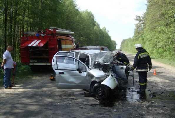 На брянской трассе  столкнулись «иномарки» —  погиб человек, четверо пострадали