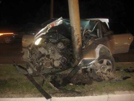 В Брянске водитель вдребезги разбил свою «Ауди» и попал в больницу