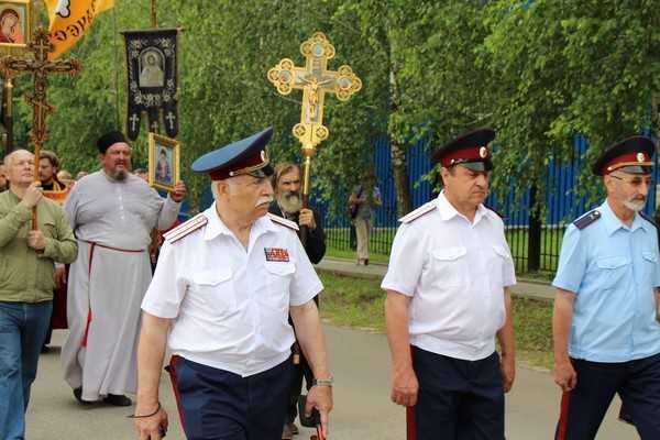 День России в Локте превратили в торжества 400-летия дома Романовых