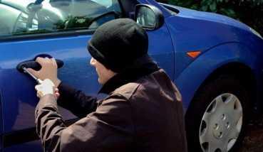 В  Брянске поймали грабительницу, отобравшую у школьницы мобильник
