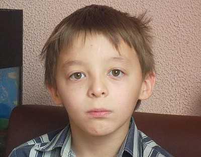 Девятилетнему брянскому мальчику ищут семью