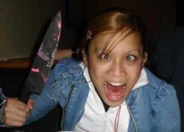 Брянскую девочку ударила ножом в живот взбесившаяся девица