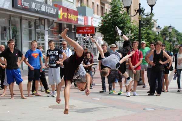 Брянску подарили красочный фестиваль уличной культуры