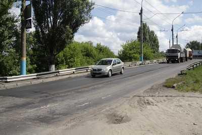 Асфальтовое покрытие на путепроводе у вокзала Брянск I заменили