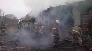 Брянские пожарные вытащили из огня 17-летнюю девушку