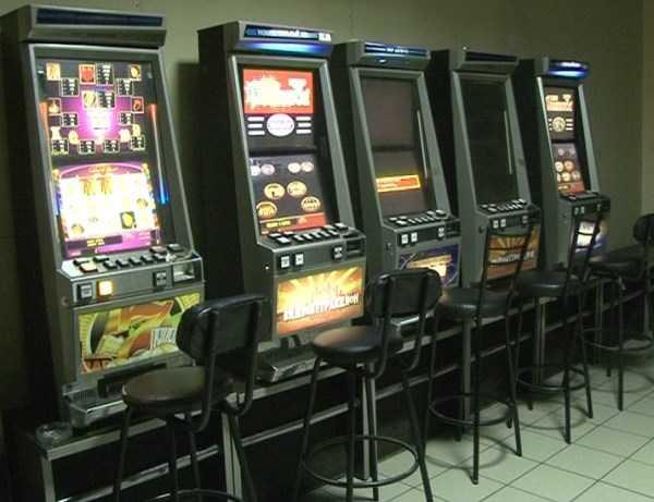 Брянская полиция за сутки закрыла семь игровых салонов