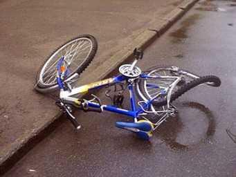 В Жуковке водитель «иномарки» сбил велосипедистку и скрылся