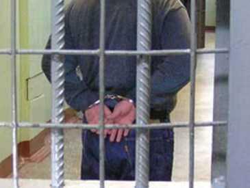 В Брянске ночной  грабитель отобрал у прохожего три тысячи рублей