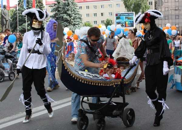 В Брянске прошел Парад колясок