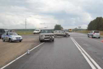 На брянской трассе столкнулись «Рено» и «Форд» — пострадали двое детей