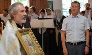 Возвращенную верующим клинцовскую церковь освятили