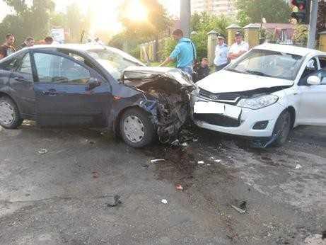 В Брянске пять человек пострадали в ДТП