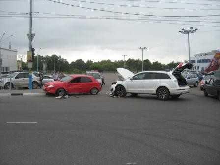 В Брянске под колеса «Тойоты» попал 20-летний парень