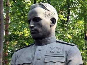 Брянск отпразднует 96 годовщину со дня рождения летчика-аса Камозина