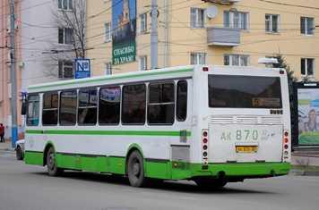 В брянском автобусе упавший  пассажир едва не задавил пенсионерку