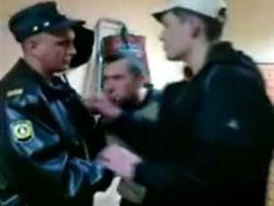 Сотрудник  полиции, подозреваемый в избиении человека в Брянске, арестован