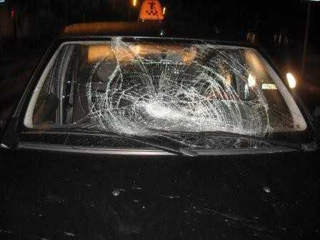 В Брянске такси сбило пьяного 19-летнего парня