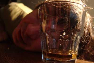 Брянский школьник отравился алкоголем