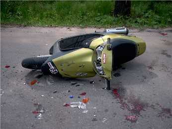 В  Брянске разбился скутерист