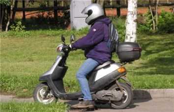 На брянской трассе в Навлинском районе столкнулись два пьяных скутериста