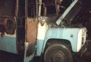 Брянские спасатели  тушили горевший карачевский автобус