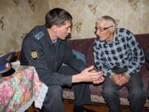 Брянского пенсионера обворовала  медсестра
