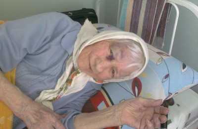 В  брянском доме престарелых санитарка  избила бабушку