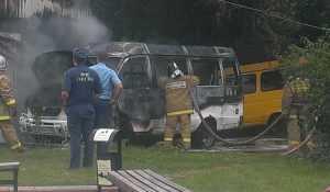 В Брянске около полицейской будки загорелась маршрутка