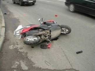 Скутерист, разбившийся на трассе под Брянском, умер в больнице