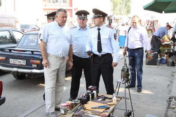 Мэр Брянска дал сражение водителям около Бежицкого рынка
