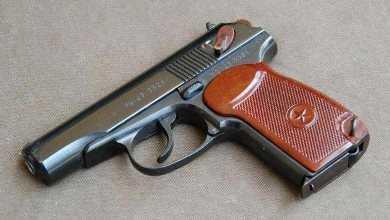 На Бежицком рынке  пьяный брянец украл с прилавка пистолет
