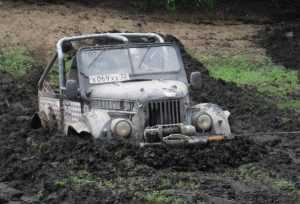 «Шатуны» на воле: Брянцы ударили по смоленской грязи